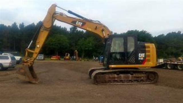 Where to find 28000-33000   Excavator in Pell City